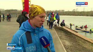 Алтайские гребцы на Гребном канале в Барнауле начали очередной летний соревновательный сезон